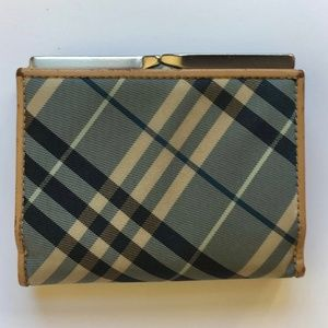 Burberry blue/beige wallet in Nova print